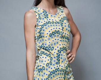 vintage 70s op art tunic top print sleeveless blouse yellow blue floral S M