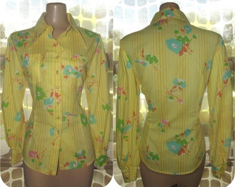 Vintage 70s Shirt | 1970s Button Down Shirt | Butterfly Collar | Fitted Blouse | Yellow Floral & Polka Dot Print | Size M/L