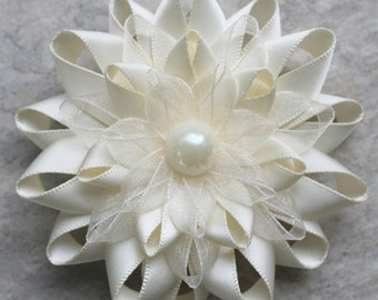 Ivory Flower Pin, Ivory Dress Pin, Ivory Corsage Flower, Ivory Corsages, Off White, Cream Corsage, Mother of the Bride, Mother of the Groom