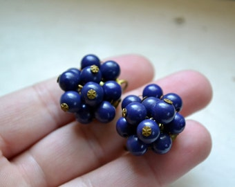 1950s Deep Blue Cluster Screw Back Earrings