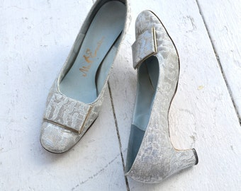 1960s Silver Mr. Easton Heels, Size 7 1/2 AA