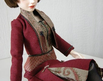 "BJD clothing ""Art Avenue"" Premium Fashion Ensemble  and all the collector's box articles in a collector's box, shipped FREE!"