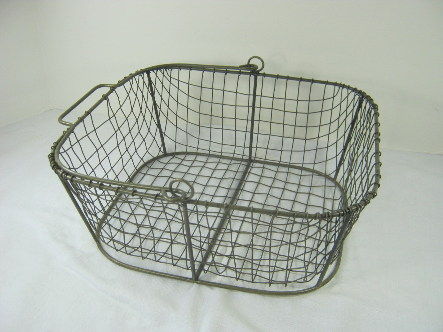 Metal is a versatile, strong material that can be used in everything from home decor to industrial uses. When it comes to home organization, wire baskets and metal boxes and bins are a fantastic choice that works well for a variety of different uses.