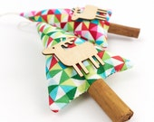 Cinnamon Christmas Tree Modern Rustic Ornaments with Wooden Reindeer Holiday Decor