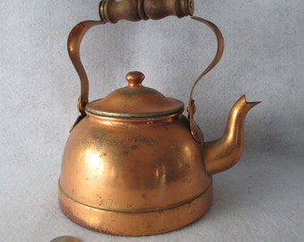 Copper Plated Tea Kettle, Vintage, 1 Quart, 1 Liter, Complete, TAGUS Made in Portugal, Shabby Cottage Farmhouse Cabin Decor Photo Display
