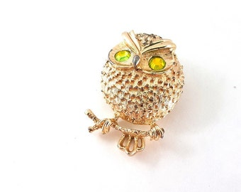 Back To School - Sarah Coventry Vintage Wise Owl Brooch Pin - Green Rhinestone Eyes - Gold Tone