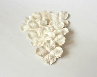 100 pcs - White Mulberry Paper Hydrangeas - Wholesale pack