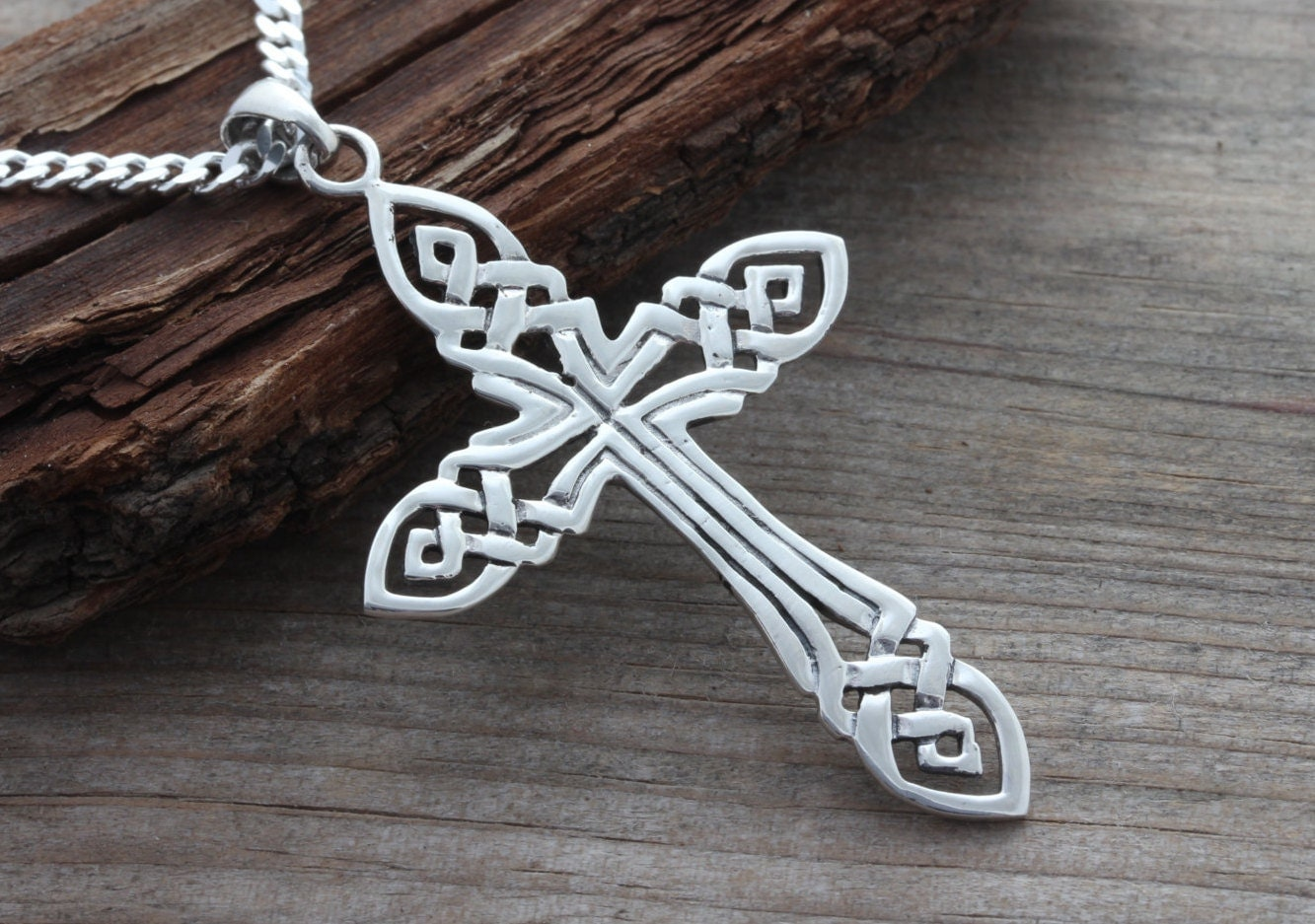 large mens celtic cross necklace large sterling silver men. Black Bedroom Furniture Sets. Home Design Ideas