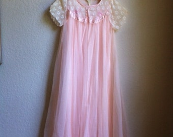 Pale Pink Vintage Night Gown Set