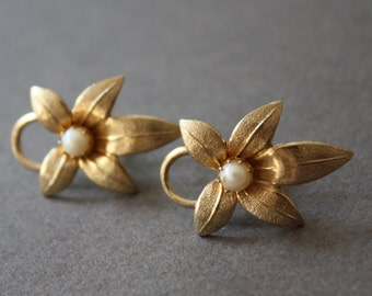Vintage Signed Coro Screw Back Gold Tone Earrings with Floral Motif and Pearl