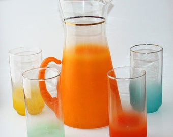 Colorful vintage, Midcentury Blendo pitcher and glasses