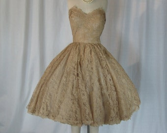 1950s Lace Gown Full Skirt