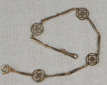 Delicate Chain Link Avon Bracelet  1047