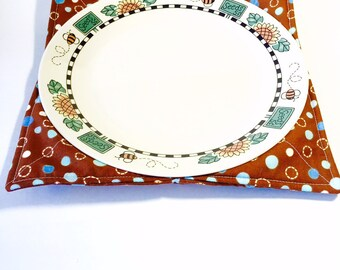 microwave plate cozy dinner size plate in black by sewfairysimple. Black Bedroom Furniture Sets. Home Design Ideas