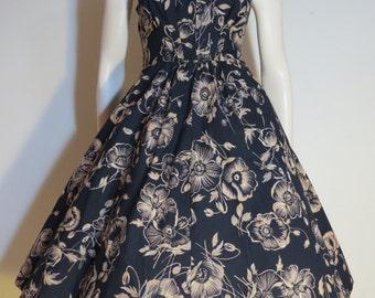 Vintage 70s does 50s Hawaiian Print Black and Gold Dress / Medium / Full Skirt / Tiki
