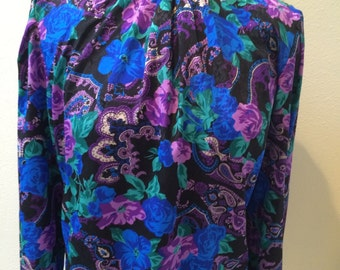 Chic 80's Paisley Floral Print with Ruched Turtle Neck Blouse by Eva Laurel Petite New York Ladies Size 12
