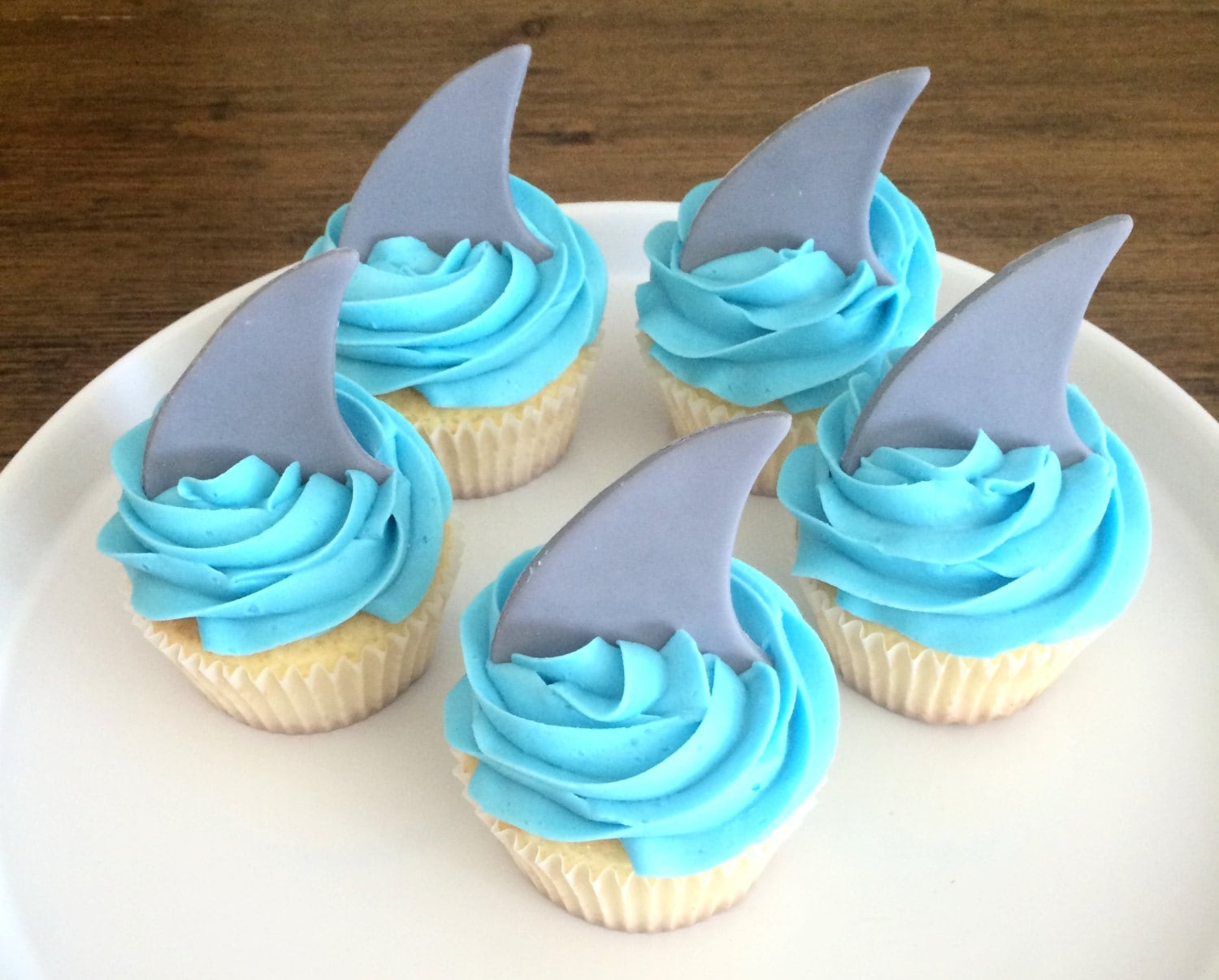 recipe: shark cupcake topper [6]