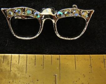 1950s cats eye glasses brooch