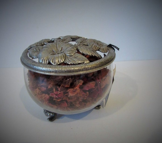 vintage french pewter rose design etain lid pot pourri. Black Bedroom Furniture Sets. Home Design Ideas