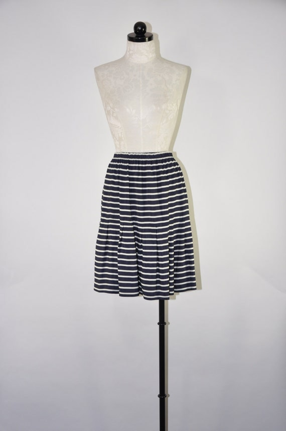 90s nautical striped skirt navy blue and white by