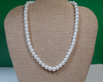 "16"" Vintage Imitation Pearl Necklace"