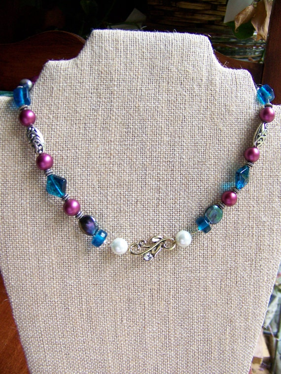 Steampunk Necklaces, Wedding Maid of Honor Necklace,Wedding jewelry, Magenta white and blue, gold curves, Beaded Necklace, #43