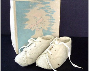 1940s Era Wool Felt Baby Shoes with Original Box - Size One Oxfords - Sweet Remembrance