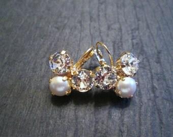 Swarovski Crystal and Pearl Earrings/Bridesmaid Jewelry /Swarovski Earrings/Bridesmaid Earrings/Mother of the Bride/Swarovski Pearl Earrings