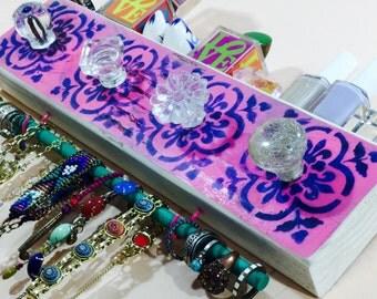 Necklace holder /jewelry display hanger /reclaimed wood hanging jewellry storage /wall organizer 4 glass knobs 2 pink hooks bracelet bar