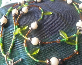 Green glass and pearl necklace