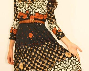 1970's Vintage  Folk Floral Dress