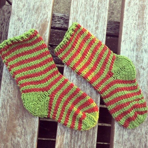 Elf Socks Knitting Pattern : hand-knit holiday elf baby socks