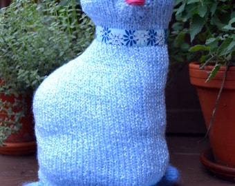 Zaza the Russian Blue knitted cat