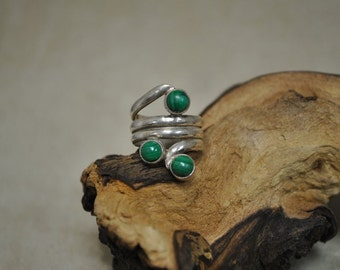 Unique Sterling Silver Wrap Malachite Ring - Size 8 1/2