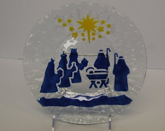 Fused artglass plate with NATIVITY SCENE in BLUE