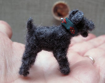 OOAK Miniature dog/dollhouse Doll House miniatures / dog miniature wool/Fox Terrier Miniature / Ooak Miniature Sculpture