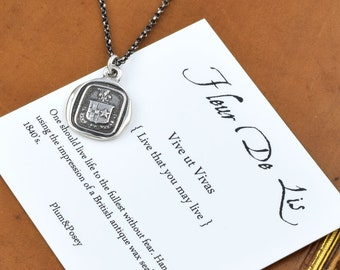 Live your Life Wax Seal Crest Necklace in Latin - Live life to the fullest Fleur de lis and Star necklace - 110