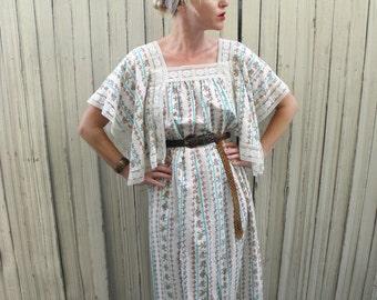 Boho Maxi Dress // Angel Sleeve Dress // Hippie Clothes // Bohemian Clothing // Festival Fashion // 1970s Dress // Floral Print // XS SMALL