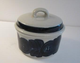 Arabia Finland Anemone Covered Sugar Bowl - Handpainted Ulla Procope Design