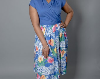 1980s Vintage Hot Housewife Blue Floral Cinched Dress by IFI