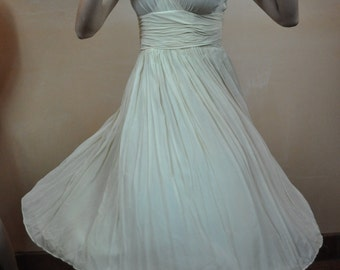 Vintage Ivory Marilyn Monroe Style Dress Chiffon Flair with Satin Lining Perfect for Swinging around the dance floor