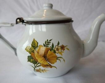 Very Pretty Enamel Teapot for One