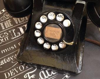 Vintage bell telephone- works!