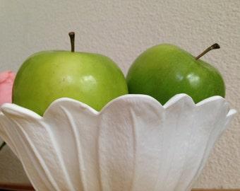 Milk Glass Bowl / Vintage Flower Milkglass Bowl / Fruit Bowl / Flower Vase / Centerpiece Small Bowl Decor / Candy Dish White Glass Container