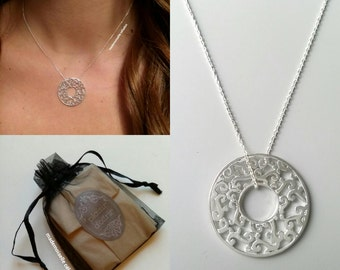 Silver necklace 925/000 - chain and Circle Pendant lace circle crafted - adjustable size - silver 925