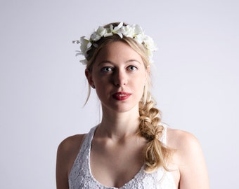 white flower crown // white floral headband // heavensent // wedding, races, summer, festival, beach inspired