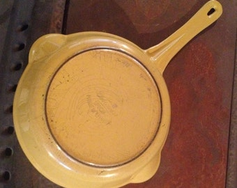 "DESCOWARE 7"" SKILLET in Mustard Yellow"
