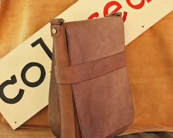Briefcase vertical leather with adjustable strap