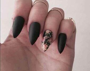 Floral and matte black stiletto fake nails set