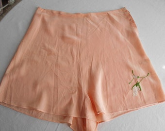 1930's Peach Silk Tap Pants/Flapper/Boudoir Lingerie